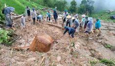 Chồng 'chết đứng' khi thấy vợ con bị đất đá vùi lấp do mưa lớn ở Hà Giang