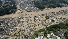 Lũ lụt tàn phá Nhật Bản