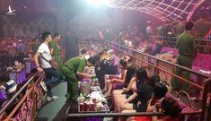 200 cảnh sát hình sự bắt 100 người chơi ma túy trong bar