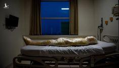 Về tin đồn bệnh nhân Covid-19 tử vong sẽ bị quấn vào túi thi hài đem hỏa thiêu