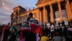 Người biểu tình Đức suýt xông vào tòa nhà quốc hội