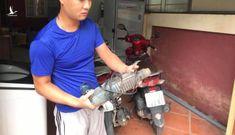 Đại diện Công an huyện Gia Lâm khẳng định Cảnh sát đã phá tường cứu cháu bé bị bỏ rơi