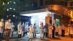 Y bác sĩ cùng người dân Đà Nẵng hát vang bài 'Như có Bác Hồ trong ngày vui đại thắng'