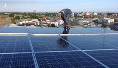 Người dân ồ ạt đầu tư điện mặt trời mái nhà để hưởng giá cao