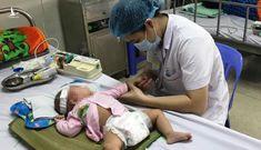Bé một tuổi tử vong sau tiêm vaccine viêm não