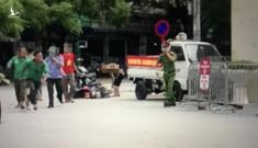 Tài xế xe ôm công nghệ cầm dao đuổi chém người trong Bệnh viện E, 2 người bị thương
