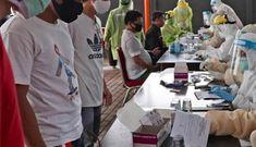 WHO cảnh báo đường dẫn tới thảm họa, Canada hủy thử vắc-xin Trung Quốc