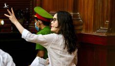 Bị cáo Lê Thị Thanh Thúy khóc tại tòa: Đứa con 6 tuổi của tôi luôn mồm hỏi, mẹ đi đâu lâu thế