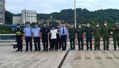 Bắt đối tượng người TQ bơi qua sông Hồng sang Việt Nam trốn truy nã