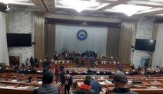 Phe đối lập tuyên bố nắm quyền, Tổng thống Kyrgyzstan nói đang có đảo chính