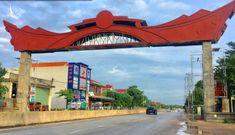 Một trong 2 cổng chào Đồng Hới trị giá 14 tỷ đồng đã dựng xong