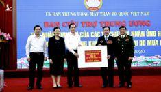 Anh hùng lao động Lê Văn Kiểm và gia đình ủng hộ bà con miền Trung 31,8 tỉ