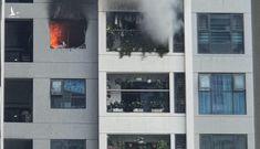 Cháy lớn chung cư ở Hà Nội, cả trăm người tháo chạy