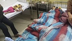 Bố chồng đánh con dâu đang mang thai và 2 cháu nội nhập viện