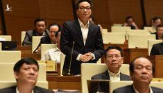 Bộ trưởng GD-ĐT chịu trách nhiệm về sai sót của sách giáo khoa