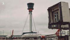 New York Times: Hiệu ứng domino đằng sau cú trượt dài của các các hãng hàng không