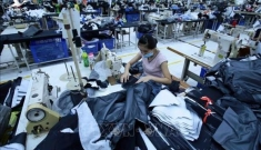 Thế giới lý giải nguyên nhân kinh tế Việt Nam vẫn tăng trưởng dương