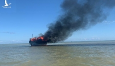 Tàu chở khách từ Cù Lao Chàm bốc cháy giữa biển, 19 người thoát nạn