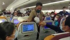 Chuyến bay của Vietnam Airlines dừng cất cánh khẩn cấp vì hành khách đốt khăn để 'xả xui'
