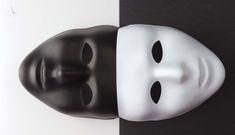 Những người hai mặt