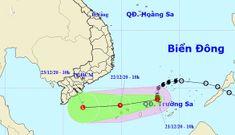 Bão suy yếu thành áp thấp nhiệt đới, miền Nam mưa