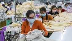 Lao động nữ không nghỉ làm kỳ kinh nguyệt được hưởng thêm lương