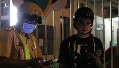"""Cái kết của 3 thanh niên """"tống ba"""" trên xe máy, trêu chọc CSGT"""
