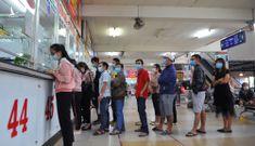 Hành khách bất ngờ vì giá vé xe Tết tăng gấp rưỡi
