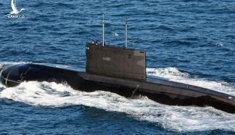Tàu ngầm tự chế của Iran lần đầu phóng ngư lôi trúng mục tiêu