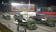 """Ẩn ý đằng sau """"món quà tên lửa mạnh nhất thế giới"""" của Triều Tiên"""