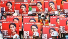 Bà Aung San Suu Kyi sắp hầu tòa