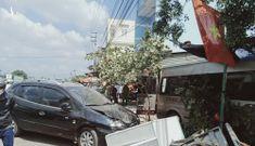 Ôtô khách gây tai nạn liên hoàn, 3 người chết