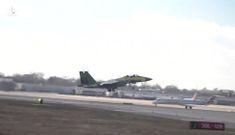 Tiêm kích F-15 hiện đại nhất thế giới vọt thẳng đứng lên trời