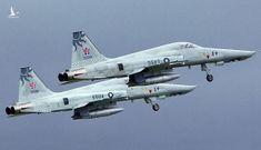 NÓNG: Hai tiêm kích F-5E của Đài Loan nghi va vào nhau rồi rơi xuống biển, phi công mất tích