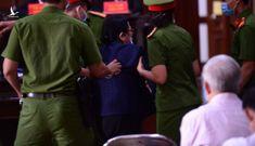 Bà Bạch Diệp có dấu hiệu đột quỵ, luật sư xin dừng phiên tòa