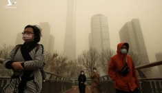 Bão cát 'kinh khủng nhất thập kỷ' phủ vàng Bắc Kinh và 11 tỉnh Trung Quốc