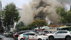 Cháy lớn tại trung tâm quận 1, sơ tán toàn bộ học sinh một trường cấp 3