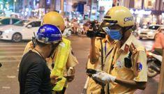 Bị CSGT TP.HCM phạt nồng độ cồn, 'dân nhậu' hù đi giật đồ vì… tiền trọ chưa đóng