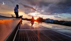 Giảm mạnh giá mua điện mặt trời áp mái: 'Siết' dự án điện trá hình
