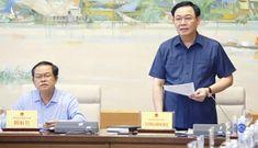 Chủ tịch Quốc hội mong các đại biểu lực lượng vũ trang đóng góp tâm huyết