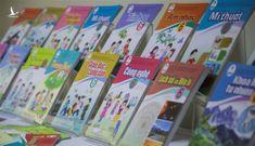 Bất thường giá sách giáo khoa lớp 2 và 6 tăng gấp 3 lần
