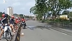 'Quái xế' chặn đường ở TP.HCM để so kè tốc độ