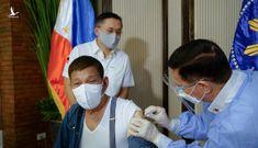 Tổng thống Philippines Duterte đòi trả lại vắc xin do Trung Quốc tài trợ