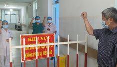Thứ trưởng Bộ Y tế Nguyễn Trường Sơn đi cách ly tập trung