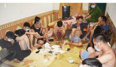 Giữa mùa dịch, 12 người thuê nhà nghỉ để 'bay lắc'