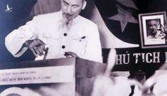 Chủ tịch Hồ Chí Minh bỏ lá phiếu bầu cử đầu tiên