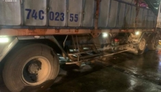 Tại nạn 1 người chết, 1 người 'dính' vào hông xe tải chạy 20km mới biết còn sống