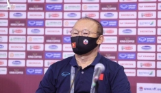 HLV Park Hang-seo nói về thẻ phạt cấm chỉ đạo ở trận Việt Nam gặp UAE