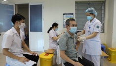 Thủ tướng chỉ đạo khẩn trương bổ sung vaccine cho TP.HCM, Bắc Giang và Bắc Ninh