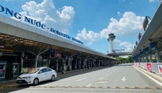 Sân bay Tân Sơn Nhất buồn đến xót xa!